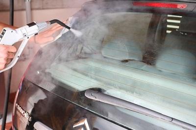 parowe mycie samochodu
